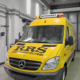Klassische KFZ-Werbebeschriftung für Transporter