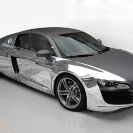 Audi R8 V8, komplett foliert mit Carbonstruktur-graphit und Spiegelfolie-Chrom