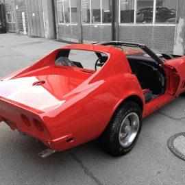 Die Corvette, frisch rot lackiert