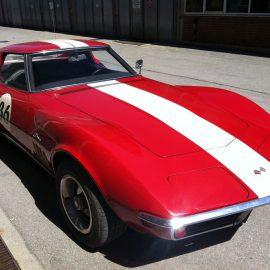Wiedergeburt einer Corvette. Zum Schluss wurde der Wagen foliert.