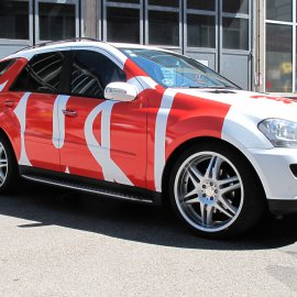 Mercedes Benz, Komplettfolierung Weiß matt, Beschriftung